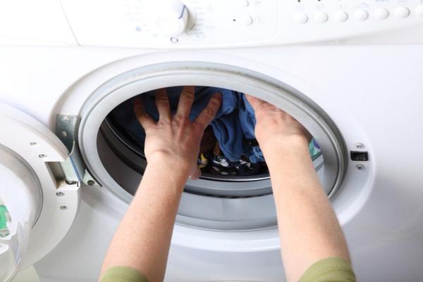 Пятна от ржавчины на одежде: как очистить?