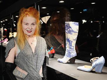 Вивьен Вествуд (Vivienne Westwood) на собственной выставке в лондонском Selfridges