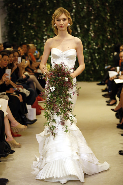 Показ Carolina Herrera на Неделе свадебной моды в Нью-Йорке | галерея [1] фото [18]