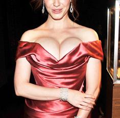 Звезды с большой грудью: самые неудачные образы