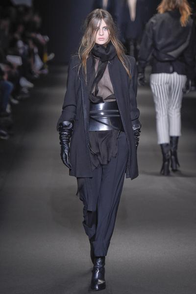 Неделя моды в Париже: 5 марта | галерея [3] фото [1]