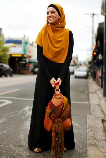 Более женственный вариант – сумка, стилизованная под рюкзак.