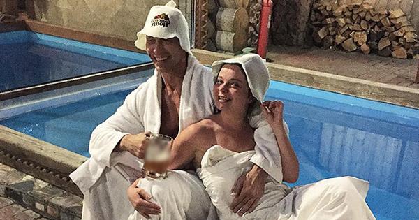 Фото королевой и тарзана попали в сеть