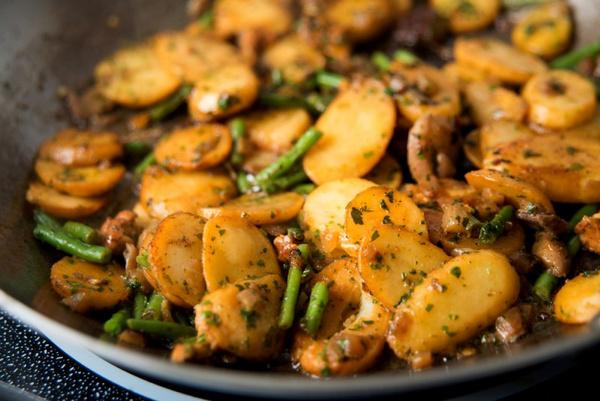 Грибы и картофель