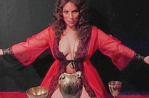 Кадр из фильма «Некромания»