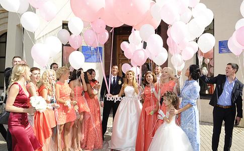 Зима летом: свадьба Ксении Бородиной в стиле «Снежной королевы»