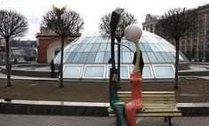 В Киеве установят скульптуру-шар из женских трусов