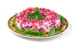 Рецепт изысканного салата «Гранатовый браслет»