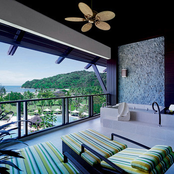 SHANGRI-LA'S RASA RIA RESORT Pantai Dalit Beach 89208 Tuaran, Sabah, Malaysia tel. (60 88) 792 888 www.shangri-la.com