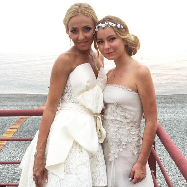 Татьяна Навка с дочкой Сашей фото