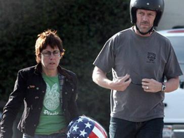 Хью Лори (Hugh Laurie) вновь проводит свободное время с семьей