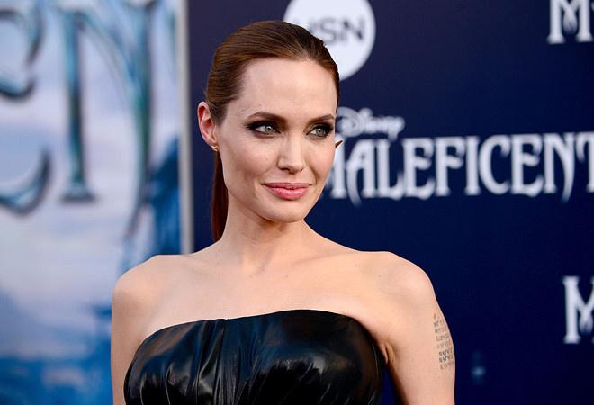 Охранник предотвратил покушение на Джоли