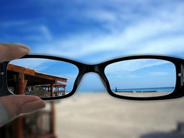 Примерно 50% россиян имеют различные проблемы со зрением