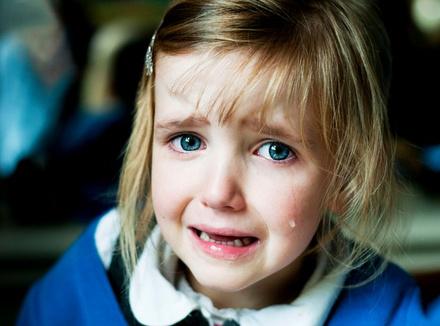 Гвозди в заборе, или как перестать говорить детям слова, которые ранят