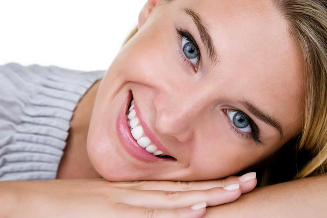 Масло чайного дерева для зубов поможет избавиться от кровоточивости десен