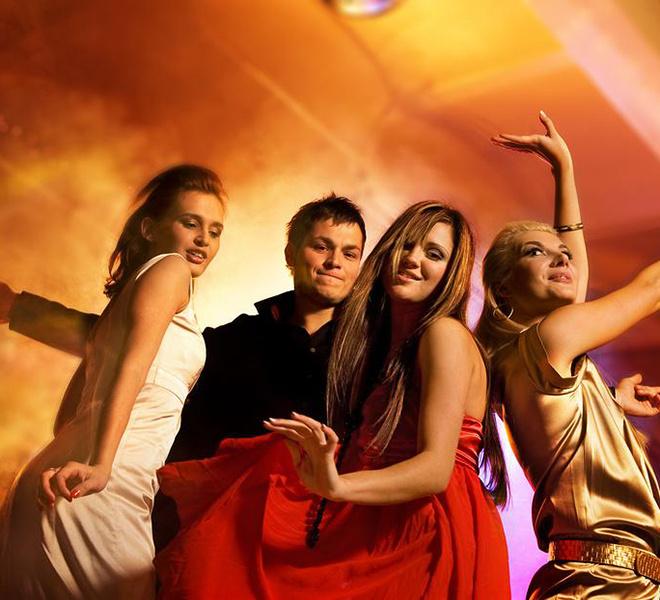 клуб, пенная вечеринка, танцы