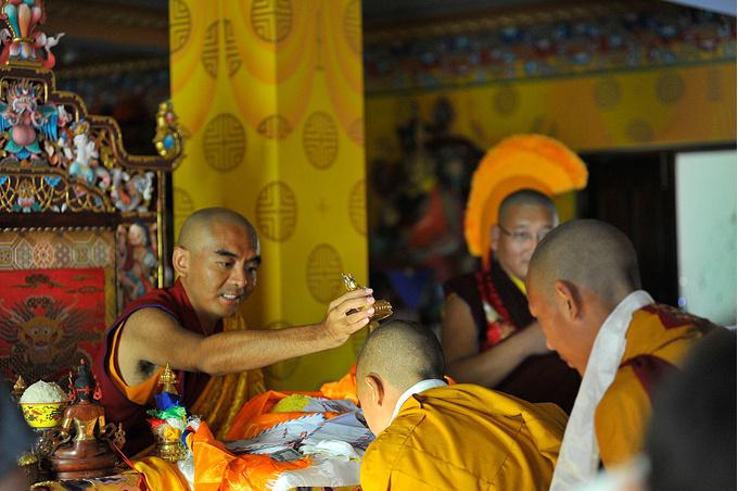 Лама Йонге Мингьюр Ринпоче