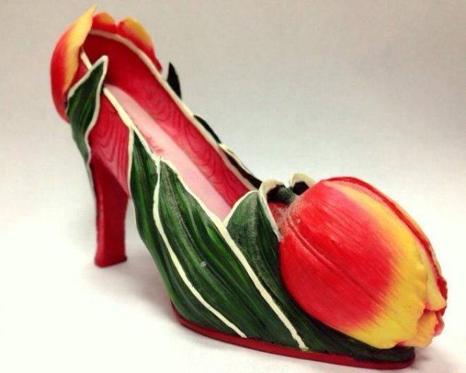 Галерея туфельки тоже участвует в празднике