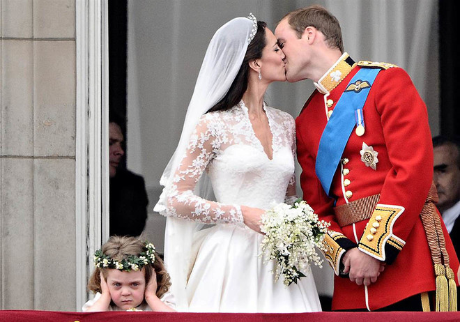 Поцелуй принца Уильяма и герцогини Кейт