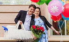 Денис Матросов до сих пор не придумал имя новорожденному сыну