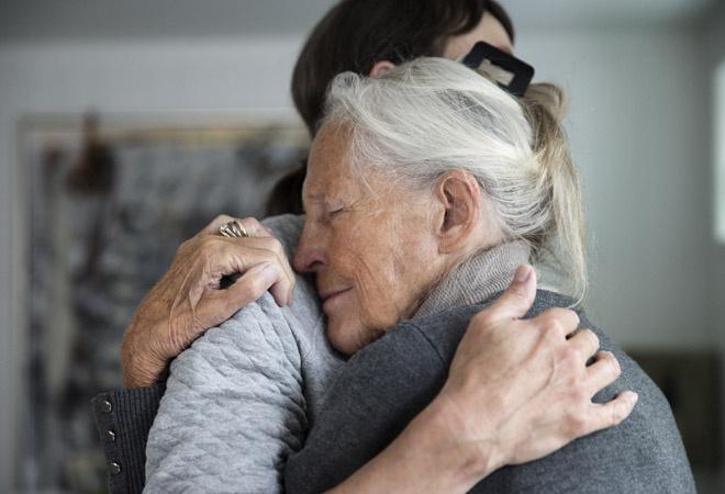 96-летняя пенсионерка стала самой пожилой матерью в мире
