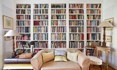 7 крутых идей, как разместить книжный шкаф в квартире