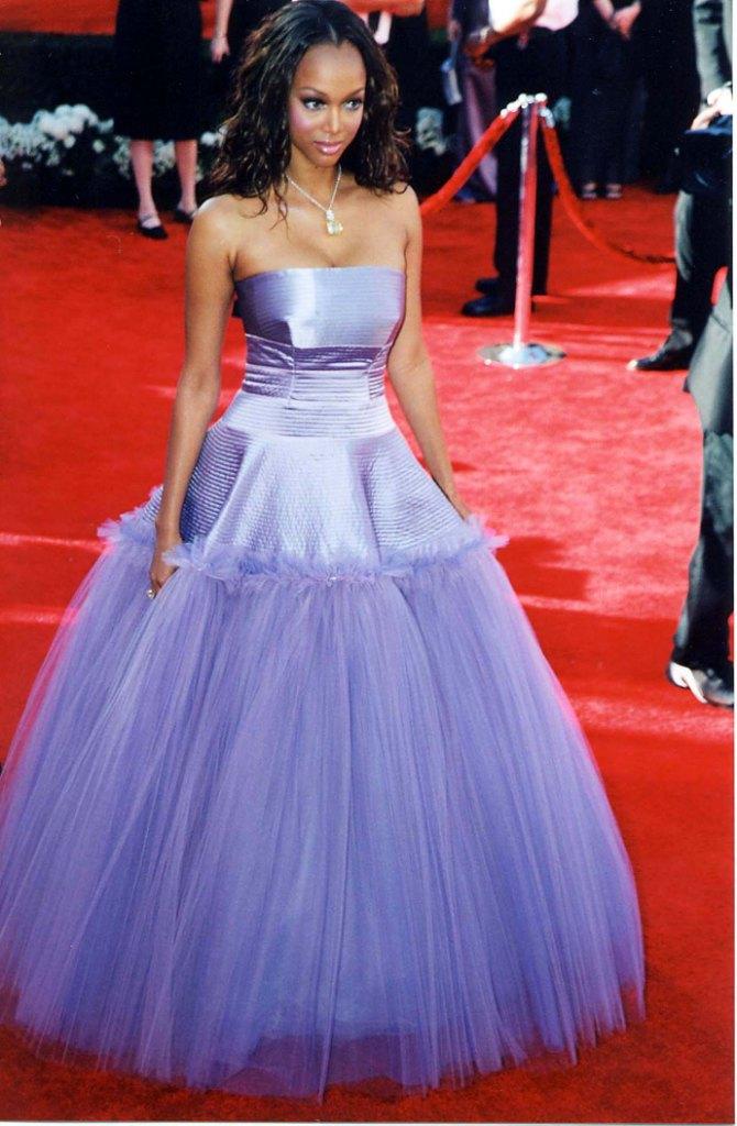 Фото тайры бэнкс ее платья