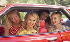 В стиле ретро: красивые девушки перенеслись в 50-е годы
