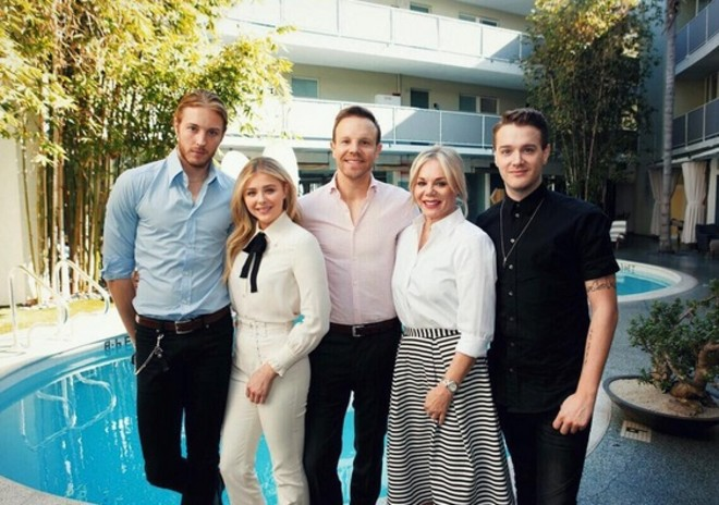 Хлоя Грейс Морец семья фото