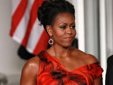 Мишель Обама (Michelle Obama) в платье от Alexander McQueen