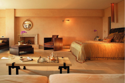 Интерьеры в отеле Cape Sounio выдержаны в цветовой гамме местного ландшафта.