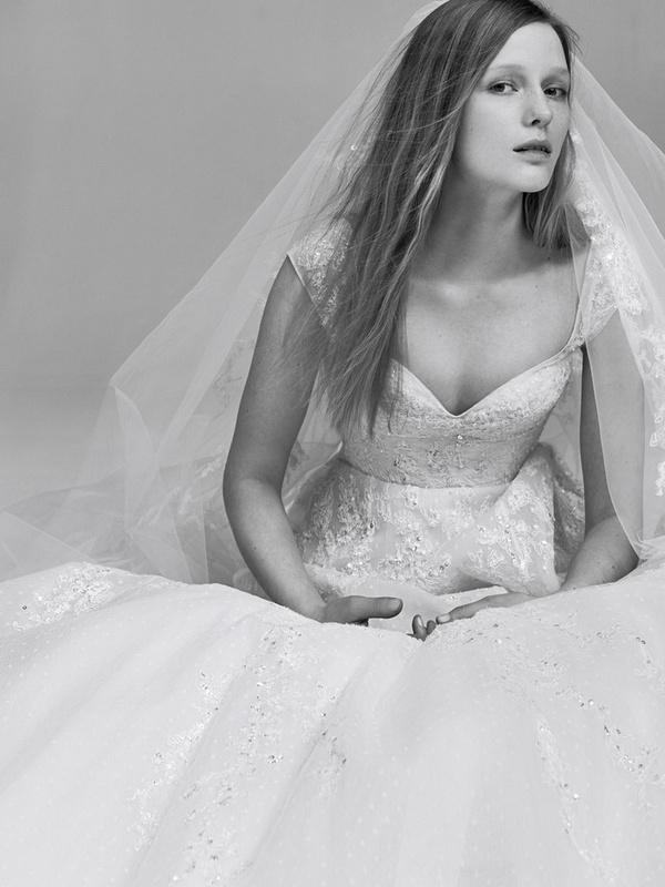 1907c2da2aa Elie Saab создал свадебный наряд за 27 млн руб. для невесты сына ...