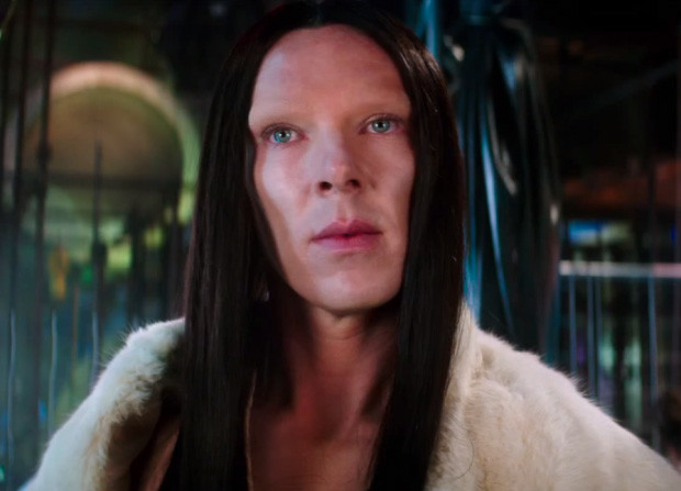 Бенедикт Камбербэтч в образе модели-трансгендера
