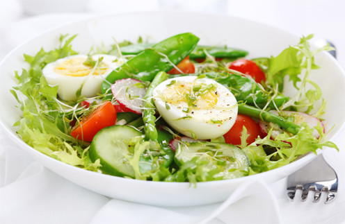 Салат из спаржи и руколы