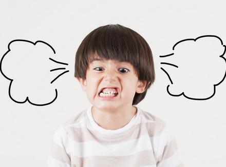 Ребенок злится – как правильно реагировать