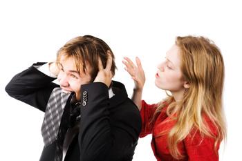 Педалирование чувства вины может стать удерживающим фактором, но вот только из нормального мужчины ваш супруг превратится в загнанное существо