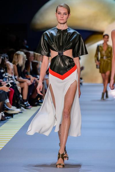 Неделя моды в Париже: день пятый   галерея [2] фото [6]