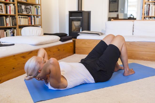 Лечимся: гимнастика при плечелопаточном периартрите