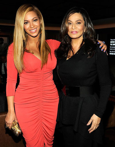 Бейонсе (Beyonce) и ее мама Тина Ноулз (Tina Knowles)