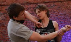 Каблуки к бою! Уроки самообороны для девушек