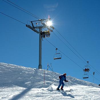 Альпы вовсе не сплошной гламур и пафос. Этой зимой можно найти недорогие туры за 500-600 евро на человека.