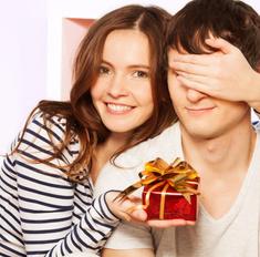 Полгода отношений - замечательная дата для влюбленных. Идеи подарков для любимого