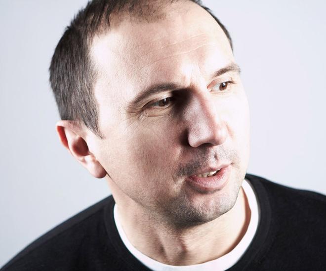 Дизайнер Олег Бирюков – член Союза дизайнеров России.