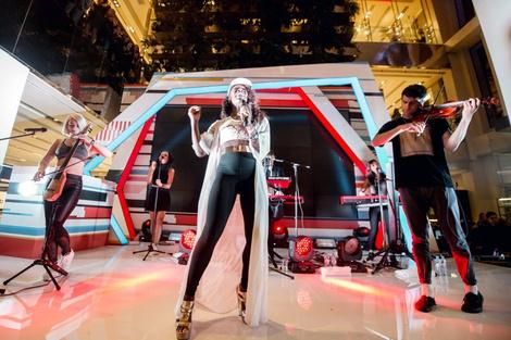 В «Цветном» состоялся концерт группы Clean Bandit | галерея [1] фото [10]