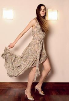 Платье из шелкового шифона, Blumarine; туфли, Christian Louboutin.
