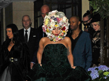 Леди Гага на показе Филипа Трейси