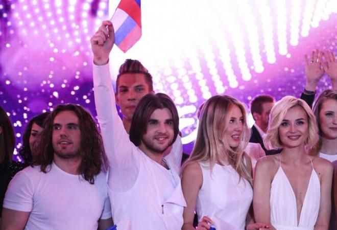 Полина Гагарина с командой фото