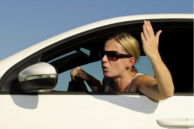 Дороги, водители, девушка за рулем