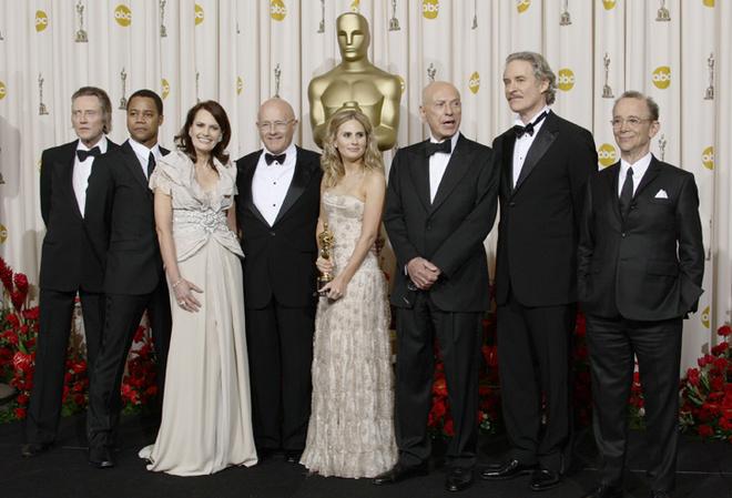 Семья Хита Леджера (на фото – в центре) пообещала передать приз трехлетней дочери покойного актера, малышке Матильде