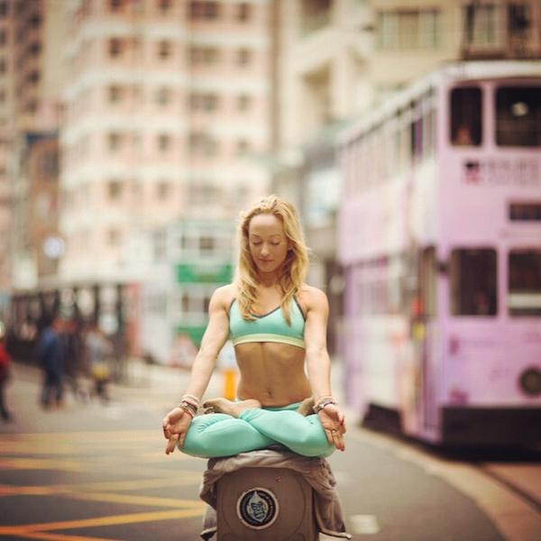 ВСТАЛА В ПОЗУ: 7 мотивирующих йога-аккаунтов | галерея [1] фото [5]